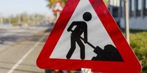 Drivers' pothole repair costs exceed 3bn (003)